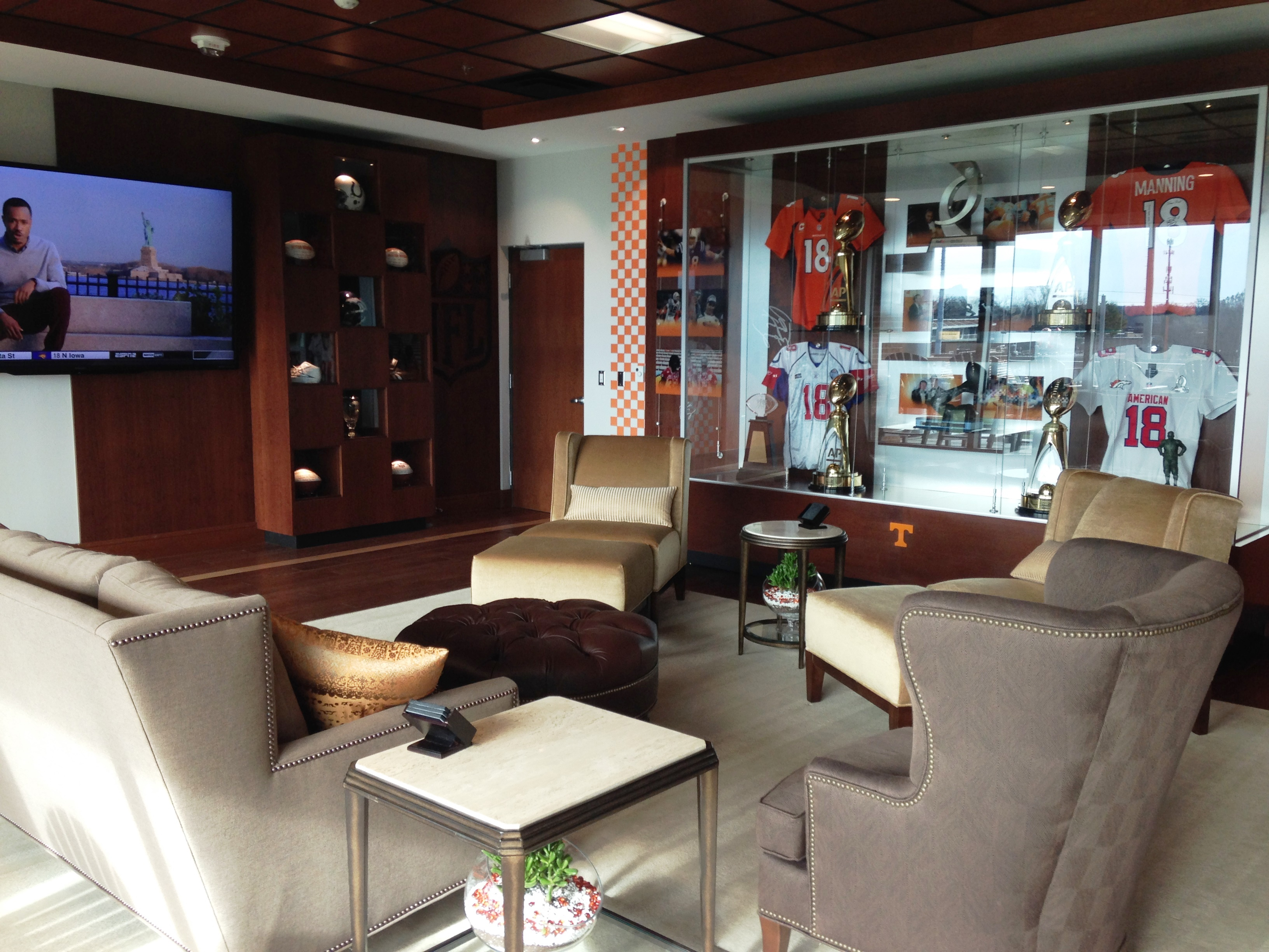Excellent Peyton Manning Room Sitting Area Wanderlust And Coming Home Interior Design Ideas Clesiryabchikinfo